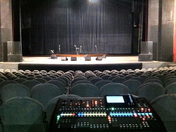 Концерт Ярослава Евдокимова в Театре Драмы.