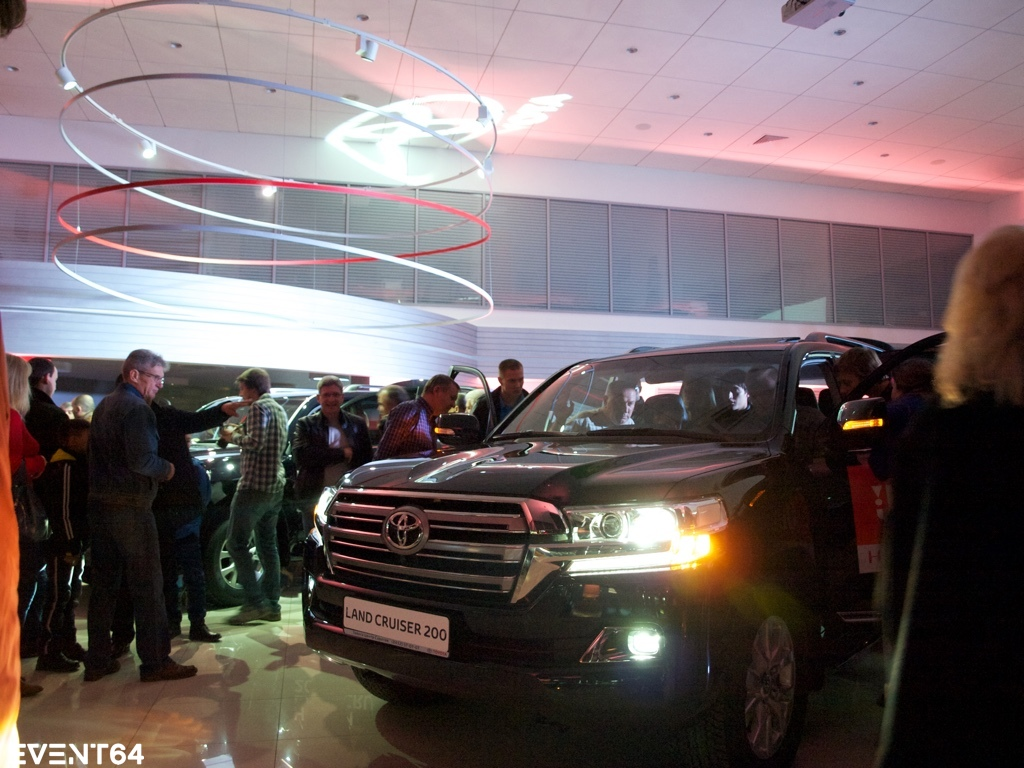 Презентация нового Toyota Land Cruiser 200